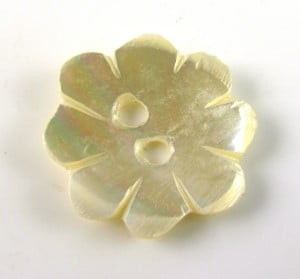 Mother-of-Pearl-Flower-Button-16mm-Use-as-a-Clasp
