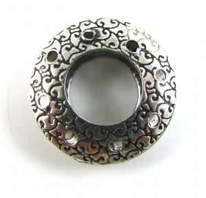 Patterned-Donut-with-8-holes-20x4mm