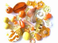 childrens-40g-surprise-bead-mix-kit-yellow-orange