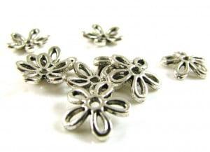 daisy-bead-cap