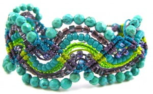 micro-macrame-zig-zag-bracelet-comp
