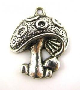 mushroom-charm-pewter